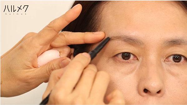 眉毛の書き方の手順
