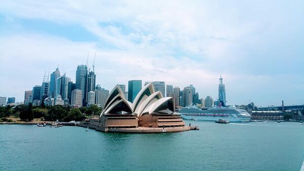 思った通りの姿で世界遺産オペラハウスが見え始めた