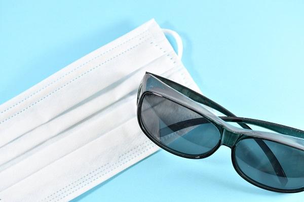 コロナ禍でのサングラス