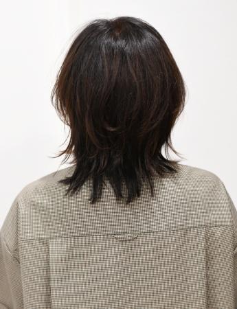 50代髪型ヘアカタログ:ミディアム(バック)