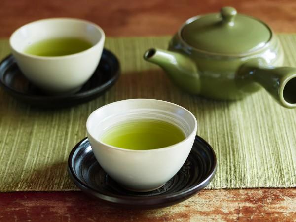 お茶の種類、緑茶・紅茶は同じ葉って本当?