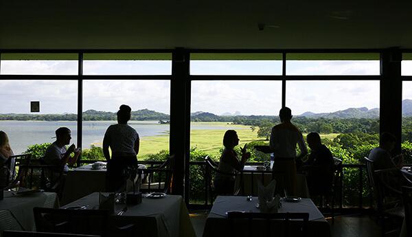 レストランからはスリランカの大自然が見渡せる