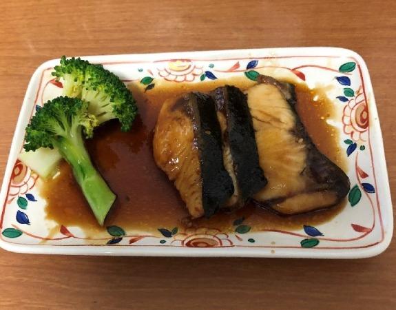 完成したぶりの生姜煮