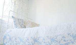 北枕もOK? 寝るときに一番良い枕の方角は?