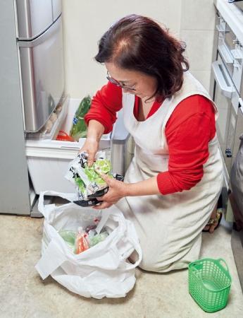 冷蔵庫の物を出して涼しいところへ