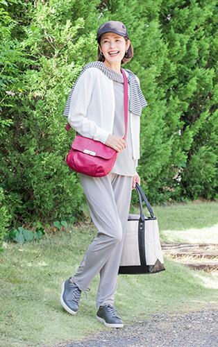 夏パンツはベーシックな色とテーパードシルエットを!