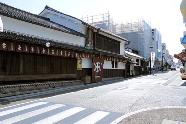 開店前から行列ができる、中村藤吉本店。(ピクスタ)
