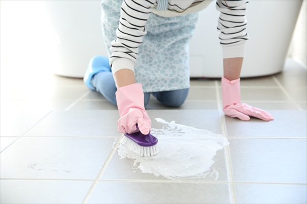 お風呂掃除はブラシの使い分けを