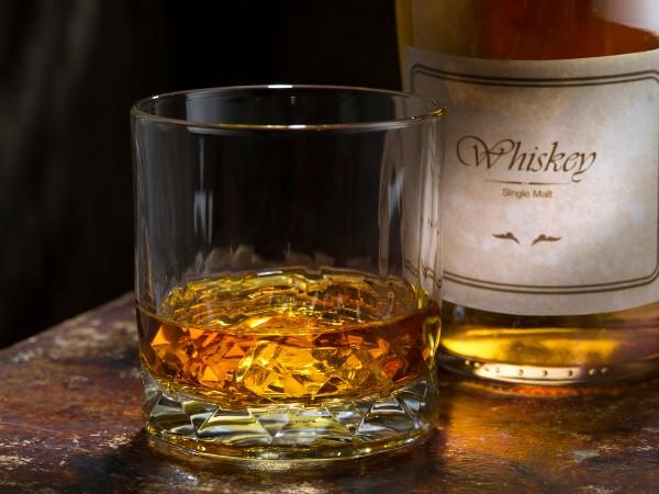 ウイスキーとバーボン、ブランデーは何が違うの?