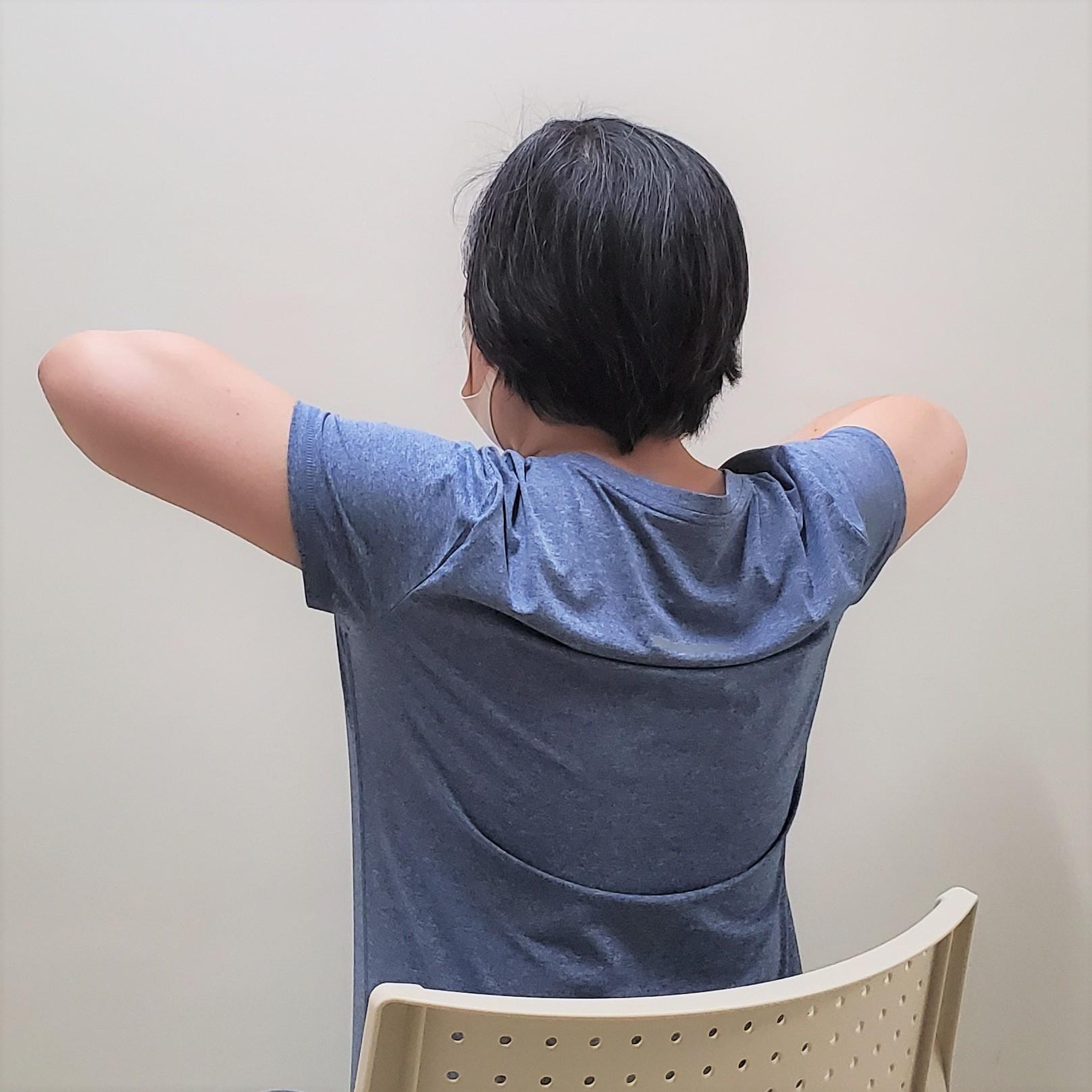 肩甲骨を正しい位置にする筋トレ1
