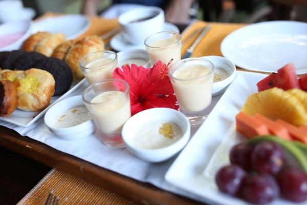 リゾートホテルの朝食、まずはスターターから