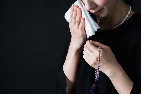葬式マナー:参列者の服装
