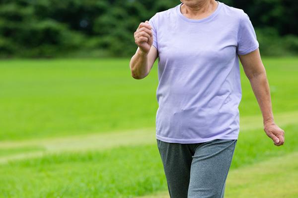 「速歩き」は健康寿命を延ばすにもつながる