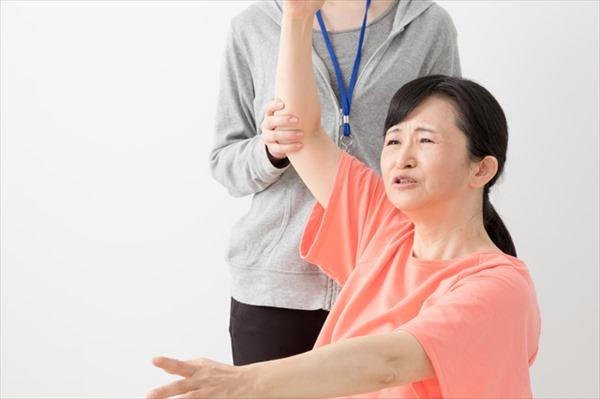 肩甲骨はがし(肩甲骨回し)のやり方