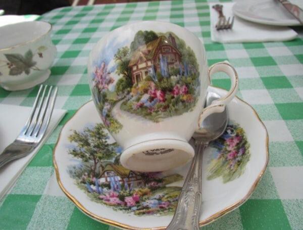 イギリス風なカップ&ソーサ―