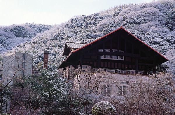 冬のアサヒビール大山崎山荘美術館