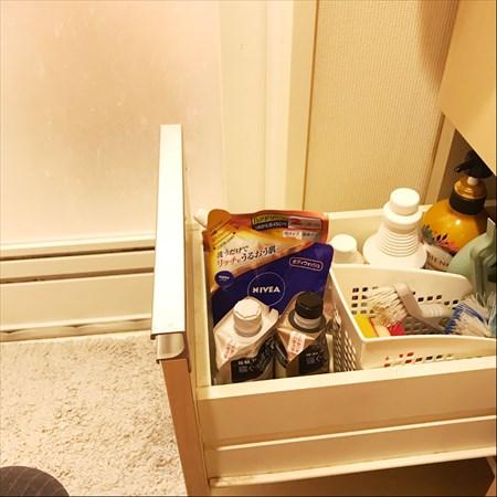 洗面所収納アイデア:引き出し下段はストック類を