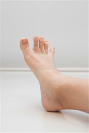 足指じゃんけん「パー」をして手の小指が通るか