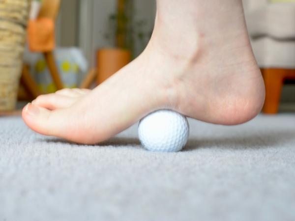 ゴルフボールで足のむくみを解消できるって本当?