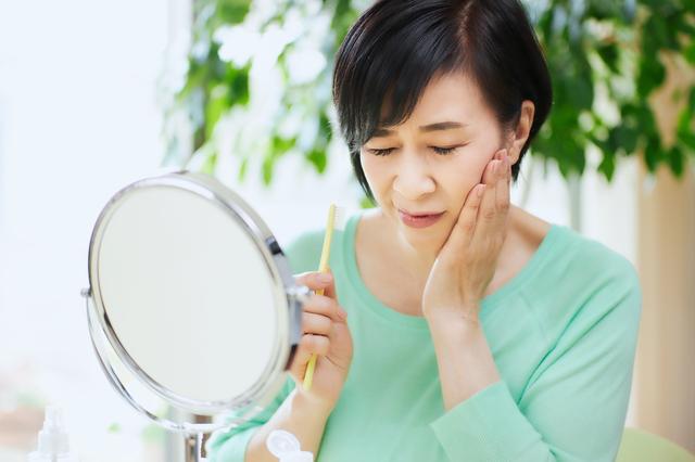 50代からの女性は虫歯・歯周病に要注意!