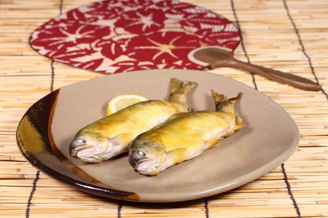 夏が旬の魚はたくさん!季節の魚で健康に(アユの塩焼き)