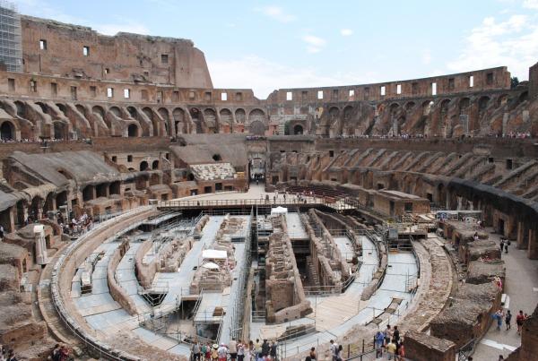 約2000年前に造られたと思えない建築技術と壮大さ