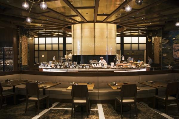 アメリカのTV番組「Top Chef」で司会を務めるグラハム・エリオット氏がプロデュースするレストラン「Coast」