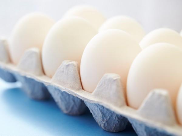 卵はとがったほうを下に置くと長持ちするって本当?