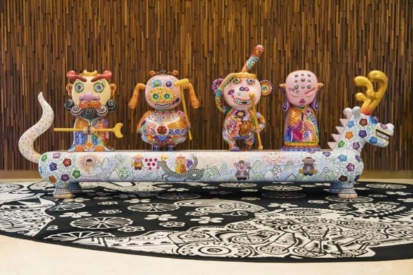 高級美術品からモダンアートまで、300点以上のアート作品が展示