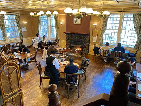 西洋料理・明治の館の1階フロア