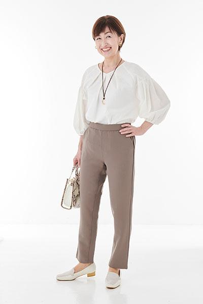 美脚に見えるファッション:縦長のまっすぐラインを意識する