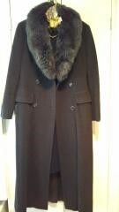 撮影時に着用したコート