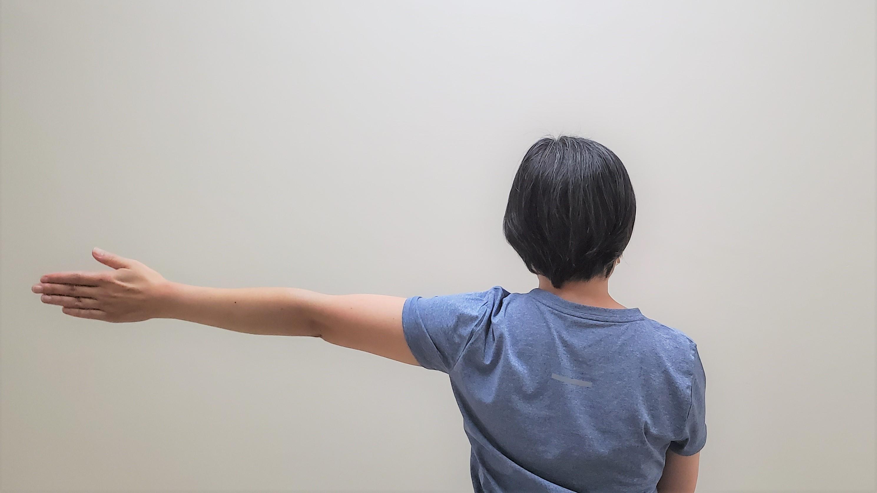 肩甲骨の可動域を広げるストレッチ2