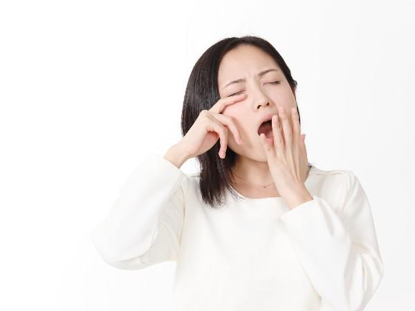 あくびをすると涙が出るのはなぜ?