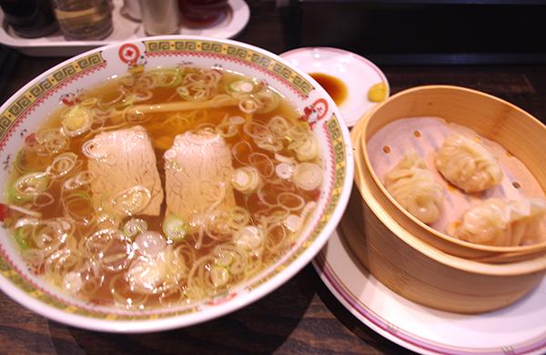新華園本店の釜石ラーメンとふかひれ餃子