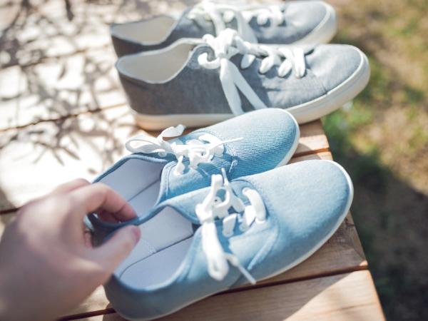 塗れた靴を早く乾かす方法とは?