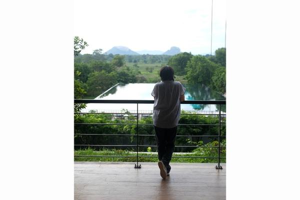 シギリヤロックは登らずとも眺めて楽しめる(ホテル アリヤ リゾート&スパ)