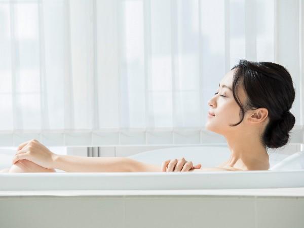 朝風呂と夜風呂、それぞれのメリットとは?注意点も