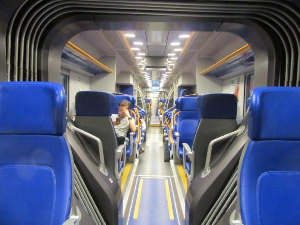 世界遺産も駅も列車も美しい、イタリア