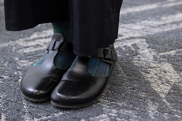 緑とネイビーチェックの靴下は、仙台で購入