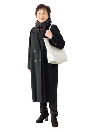【OKコーデ】バッグの色:白やシルバーでスッキリおしゃれに