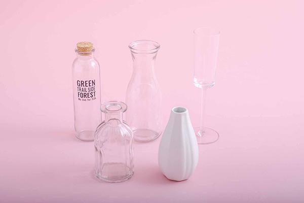 ダイソーは高さのある花瓶やグラスが豊富!