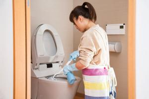 「トイレの掃除&ニオイ消し」効率的な方法とは?
