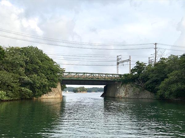 船から見た賢島橋