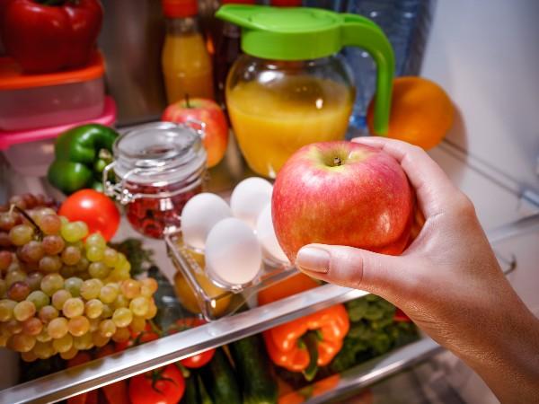 リンゴと一緒に食材を保存すると傷みが早いって本当?