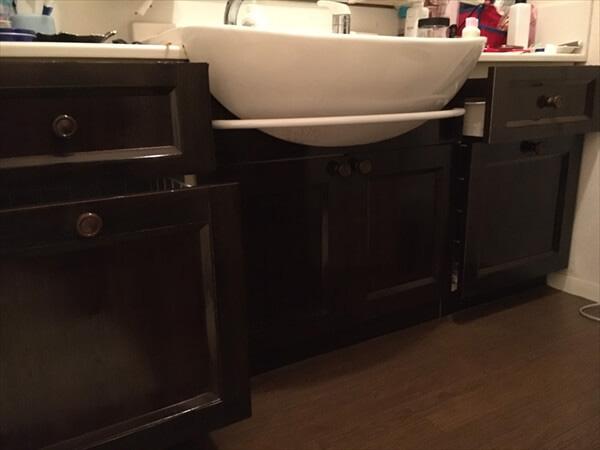 洗面化粧台の引き出し部分の修理