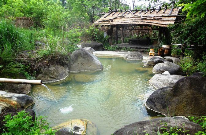 尖石の湯の温泉