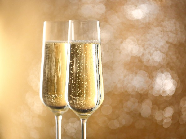 シャンパンとスパークリングワインってどこが違うの?