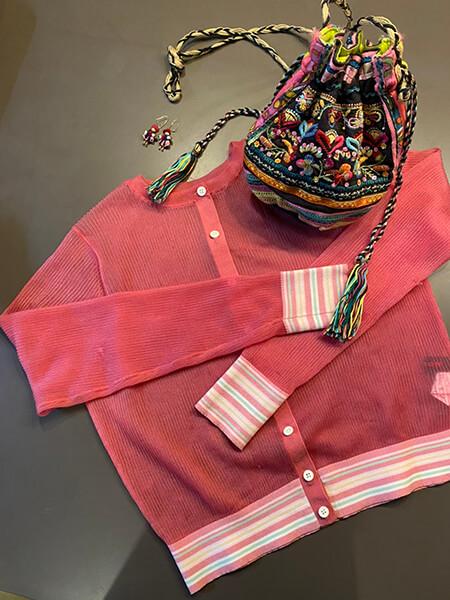 差し色にピンクのコーディネート使用アイテム