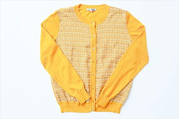 似合う服:光沢やハリのある素材の服
